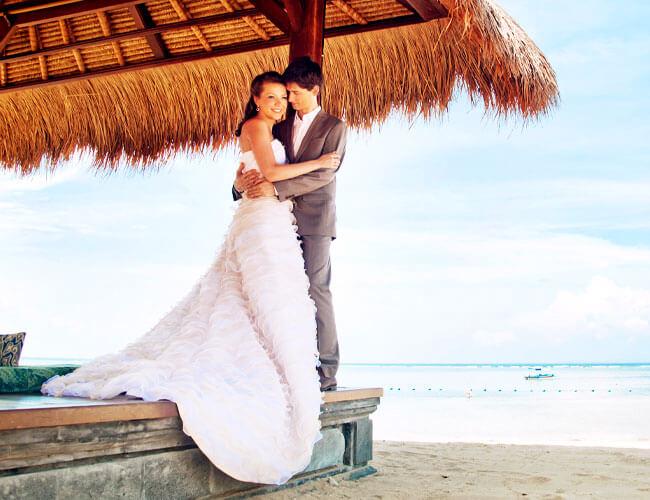 The Benefits of a Destination Wedding