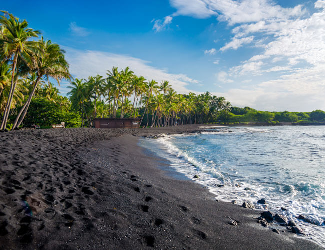 Black Sand Beach - Hawaii