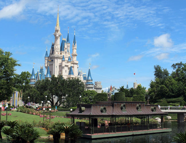 The Best Way to Book a Disney Vacation (Especially If It's Your First Time)